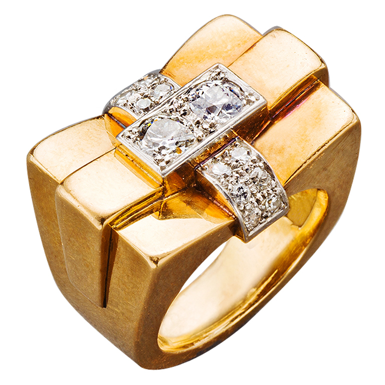 French Diamond and Gold Ring 1940s 1